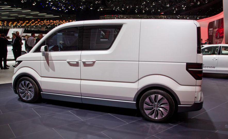 Volkswagen e-Co-Motion concept - Slide 12