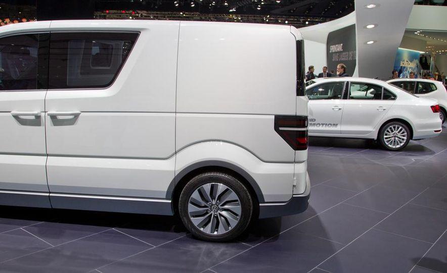 Volkswagen e-Co-Motion concept - Slide 16