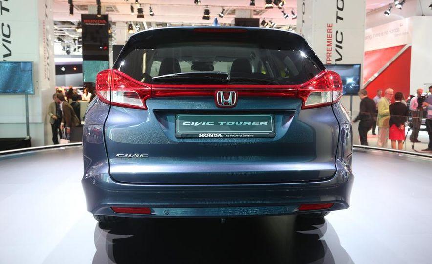 Honda Civic Tourer concept - Slide 9
