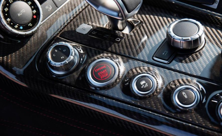 2014 Mercedes-Benz SLS AMG Black Series - Slide 35
