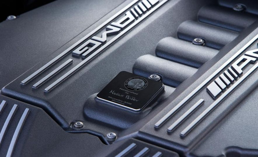 2014 Mercedes-Benz SLS AMG Black Series - Slide 37