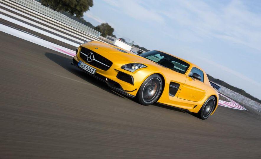 2014 Mercedes-Benz SLS AMG Black Series - Slide 2
