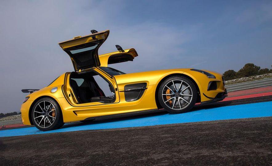 2014 Mercedes-Benz SLS AMG Black Series - Slide 16