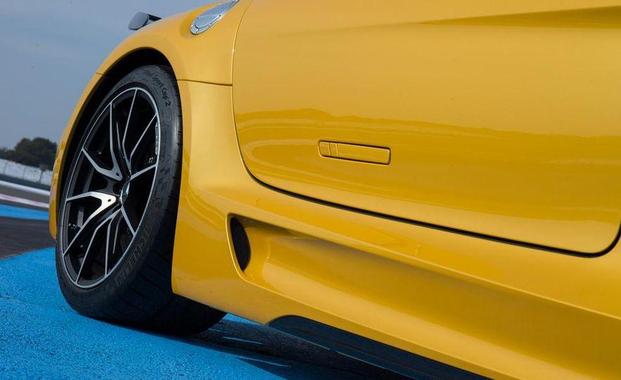 2014 Mercedes-Benz SLS AMG Black Series - Slide 21