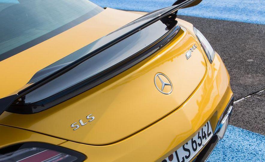 2014 Mercedes-Benz SLS AMG Black Series - Slide 24
