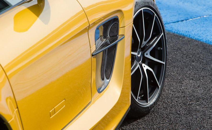 2014 Mercedes-Benz SLS AMG Black Series - Slide 18