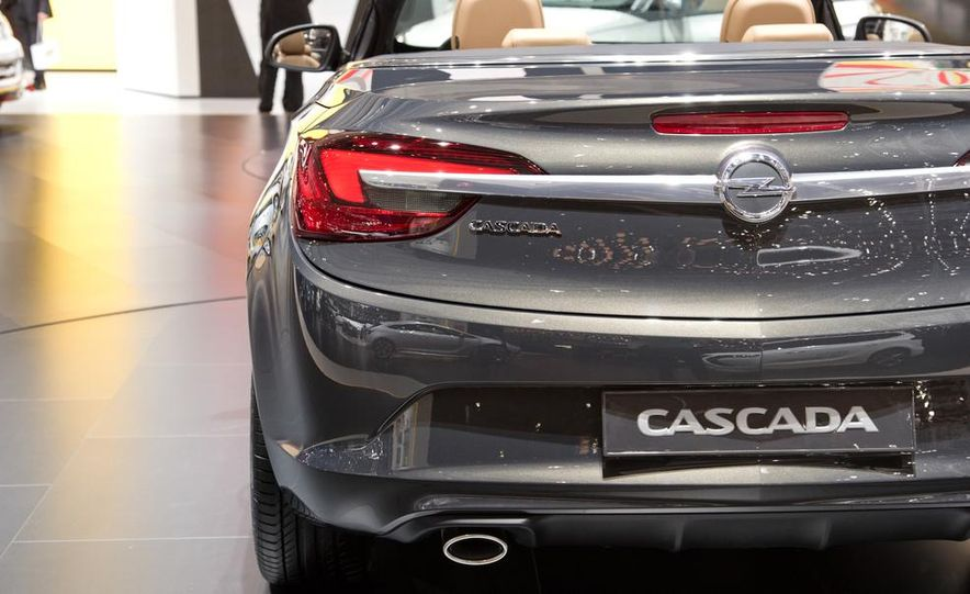 2014 Opel Cascada convertible - Slide 13