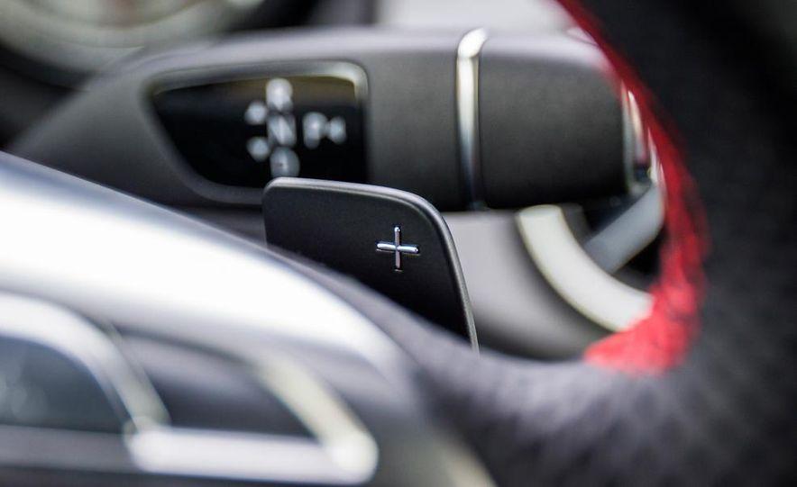2014 Mercedes-Benz CLA250 4MATIC Sport - Slide 25