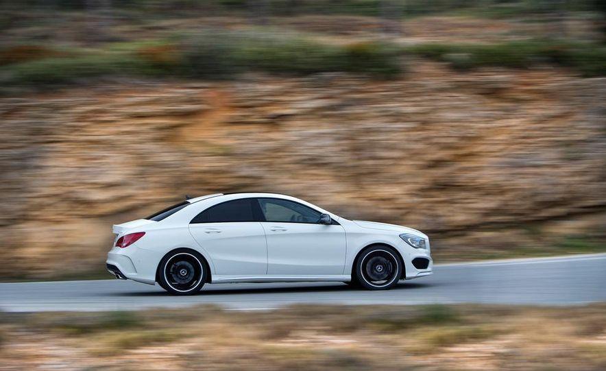 2014 Mercedes-Benz CLA250 4MATIC Sport - Slide 1