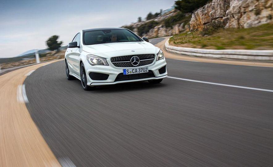 2014 Mercedes-Benz CLA250 4MATIC Sport - Slide 2