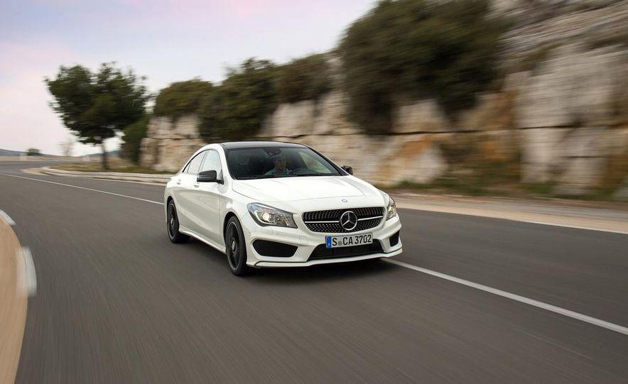 2014 Mercedes-Benz CLA250 4MATIC Sport - Slide 3