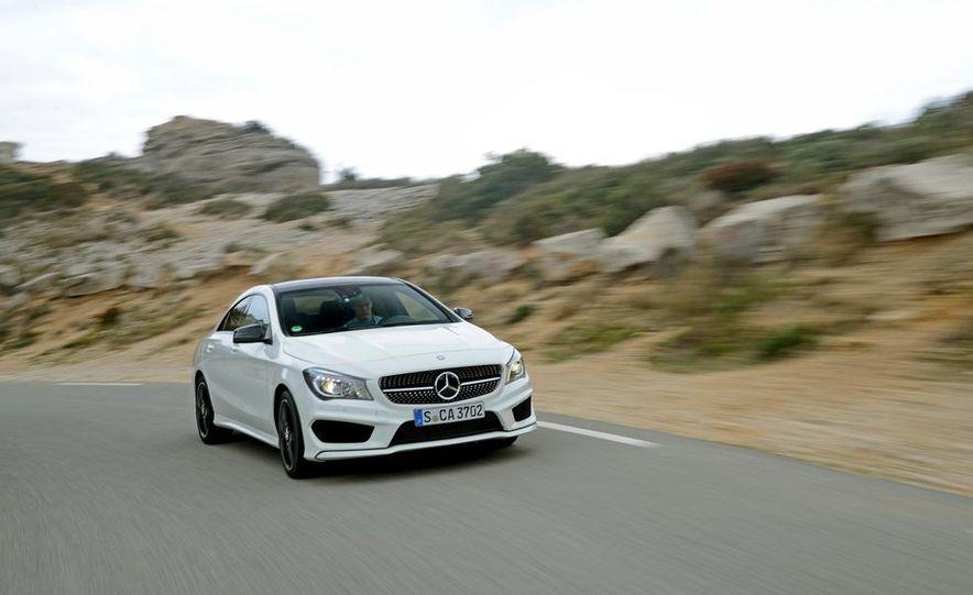 2014 Mercedes-Benz CLA250 4MATIC Sport - Slide 6