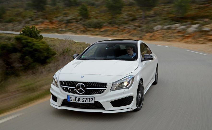 2014 Mercedes-Benz CLA250 4MATIC Sport - Slide 8