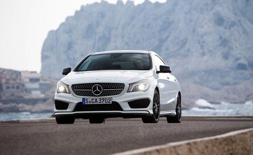 2014 Mercedes-Benz CLA250 4MATIC Sport - Slide 12