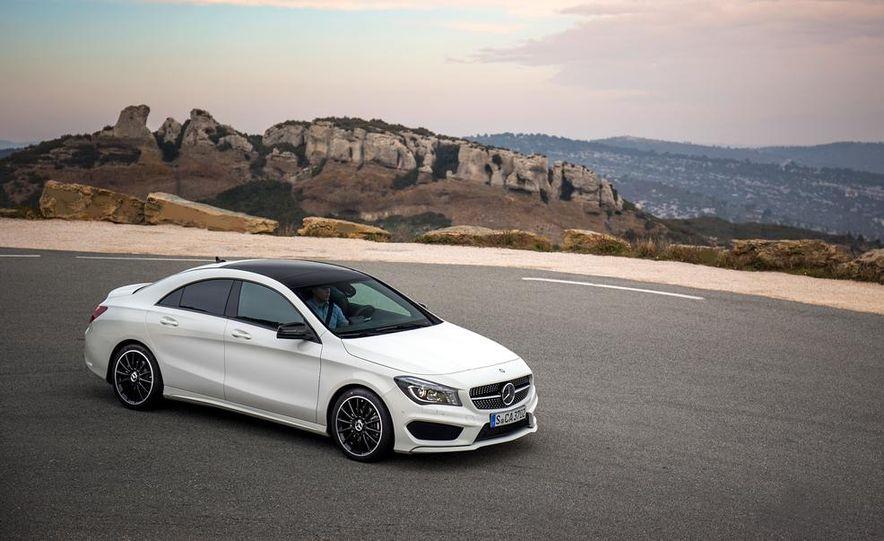 2014 Mercedes-Benz CLA250 4MATIC Sport - Slide 17