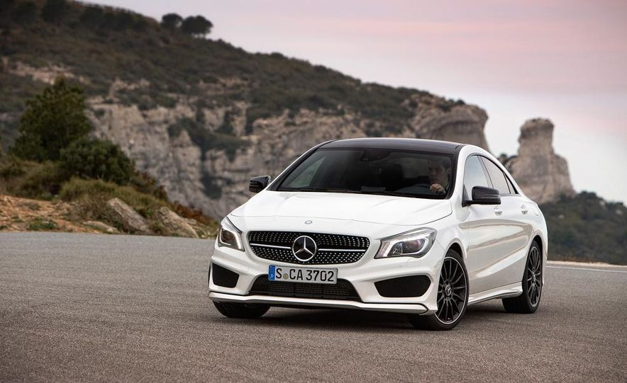 2014 Mercedes-Benz CLA250 4MATIC Sport - Slide 19