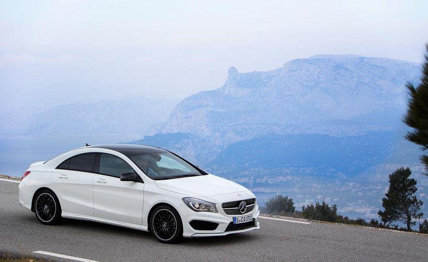2014 Mercedes-Benz CLA250 4MATIC Sport - Slide 22