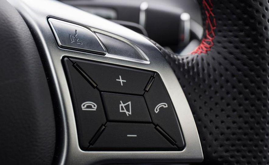 2014 Mercedes-Benz CLA250 4MATIC Sport - Slide 24