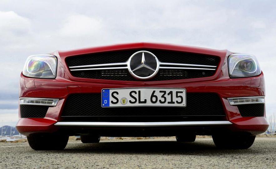 2013 Mercedes-Benz SL63 AMG - Slide 13