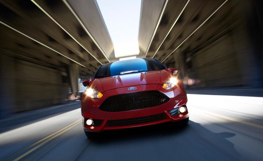 2014 Ford Fiesta ST - Slide 3