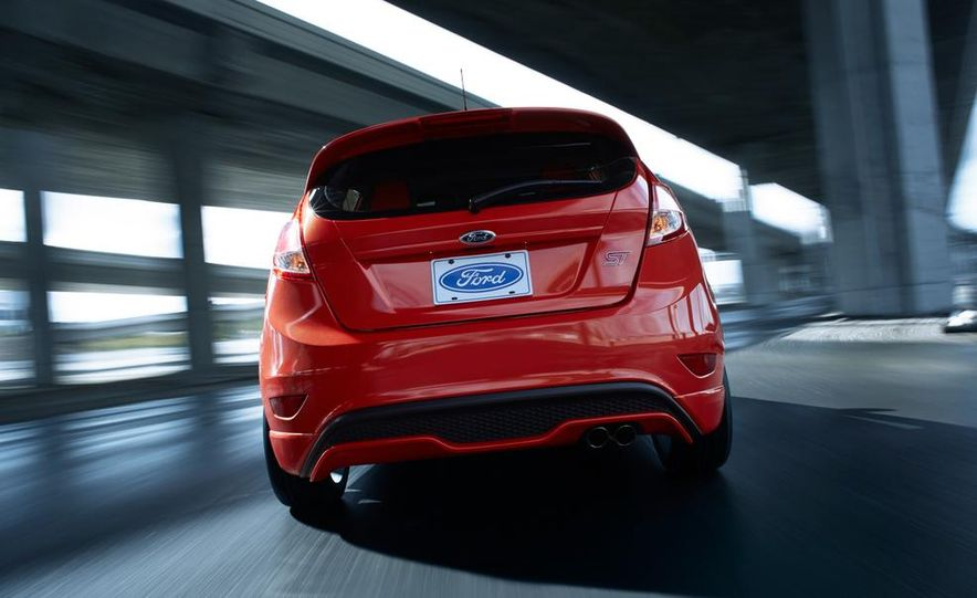 2014 Ford Fiesta ST - Slide 9