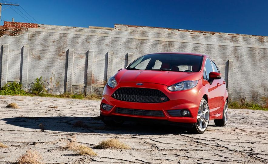 2014 Ford Fiesta ST - Slide 22