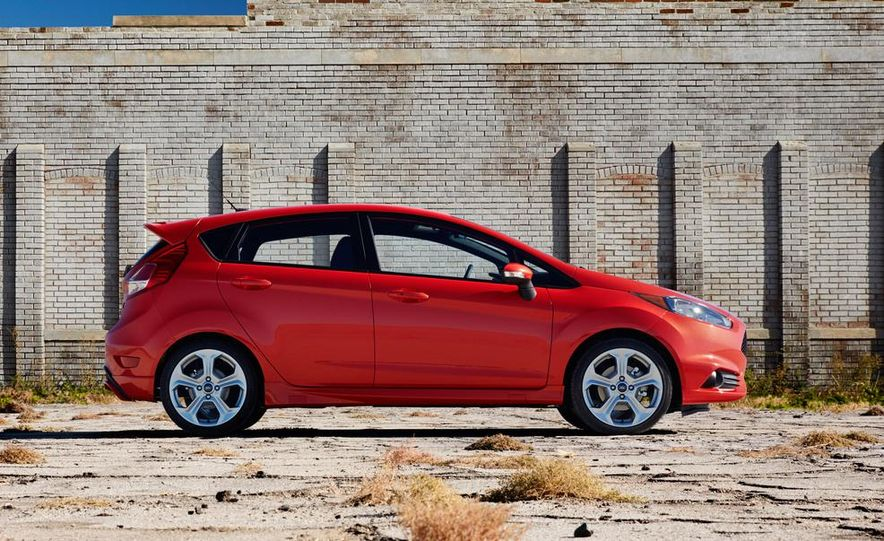 2014 Ford Fiesta ST - Slide 24