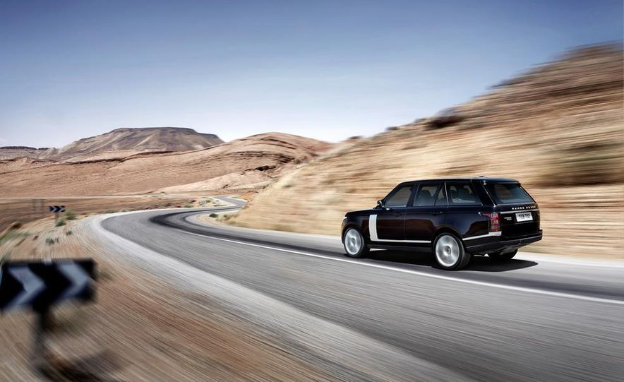 2014 Land Rover Range Rover Sport (spy photo) - Slide 30