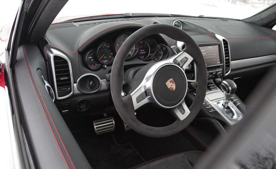 2013 Porsche Cayenne GTS - Slide 40