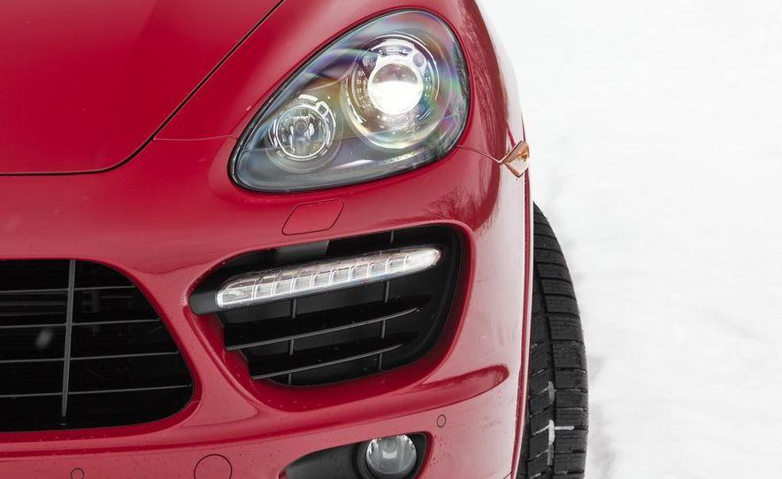 2013 Porsche Cayenne GTS - Slide 35