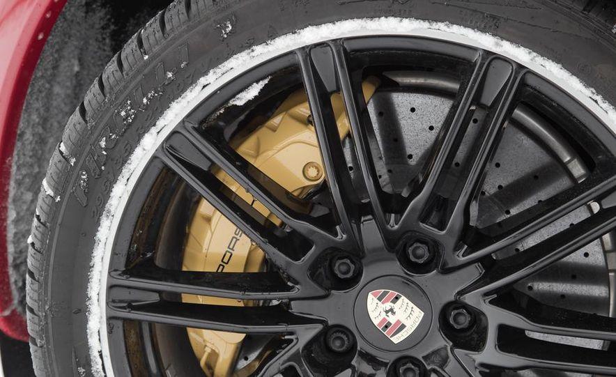 2013 Porsche Cayenne GTS - Slide 39