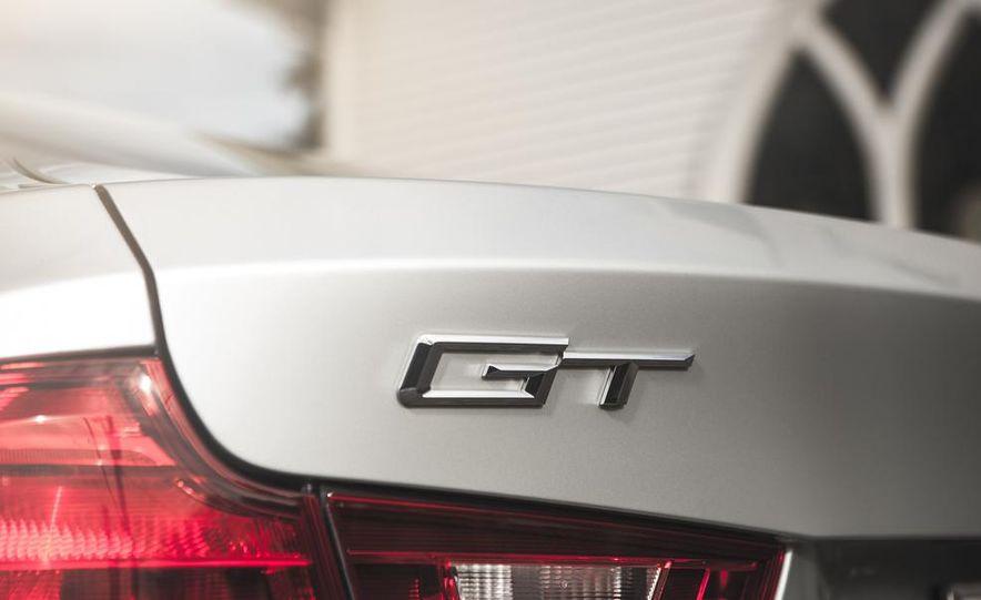 2014 BMW 335i GT xDrive - Slide 10