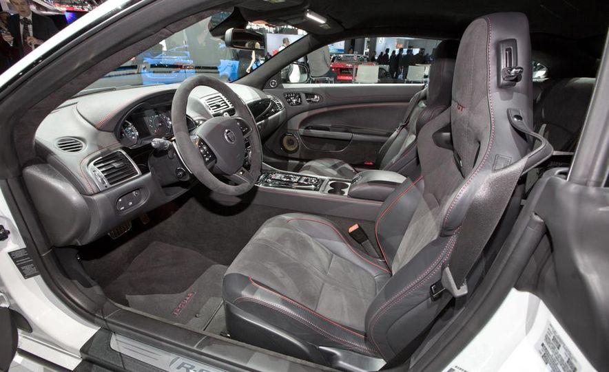 2014 Jaguar XKR-S GT - Slide 18