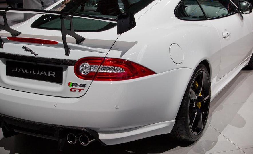 2014 Jaguar XKR-S GT - Slide 9