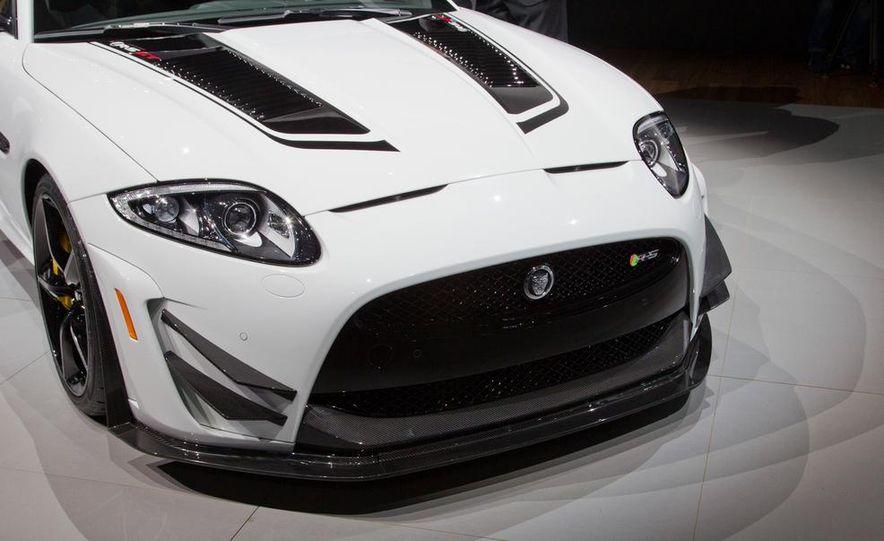 2014 Jaguar XKR-S GT - Slide 10