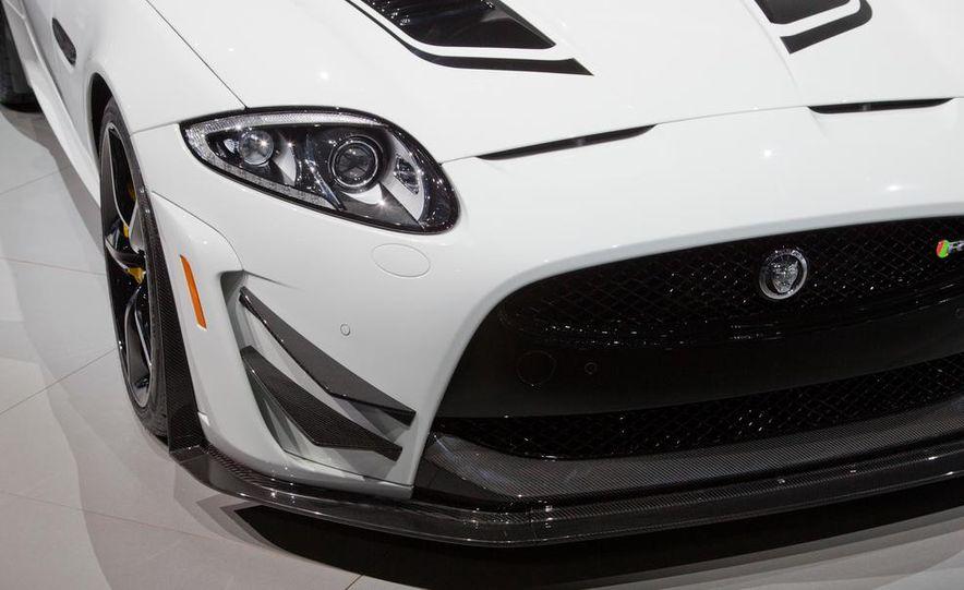 2014 Jaguar XKR-S GT - Slide 11