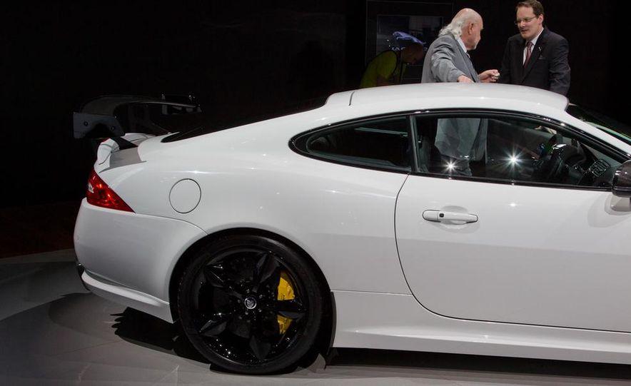 2014 Jaguar XKR-S GT - Slide 15