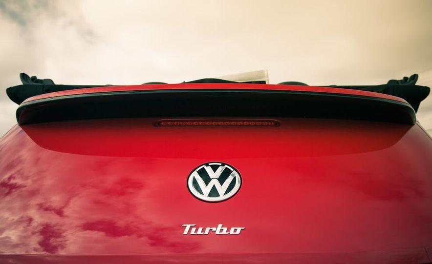 2013 Volkswagen Beetle turbo convertible - Slide 26