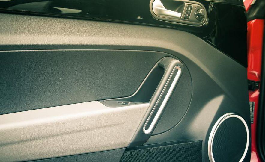2013 Volkswagen Beetle turbo convertible - Slide 42