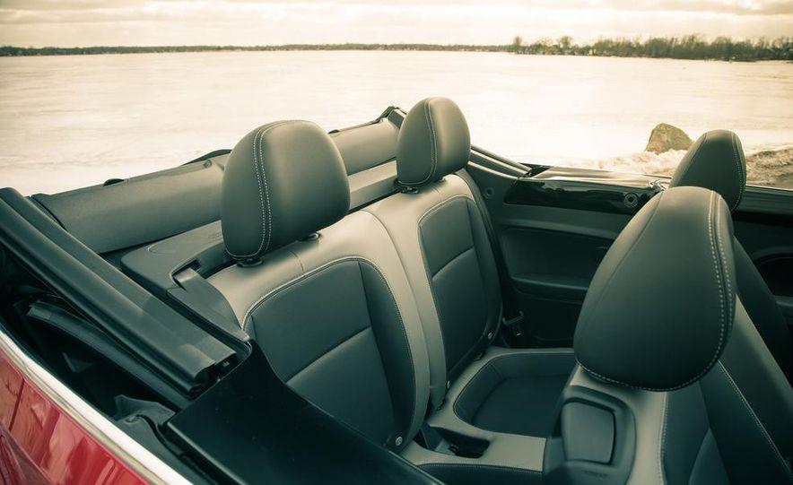 2013 Volkswagen Beetle turbo convertible - Slide 31