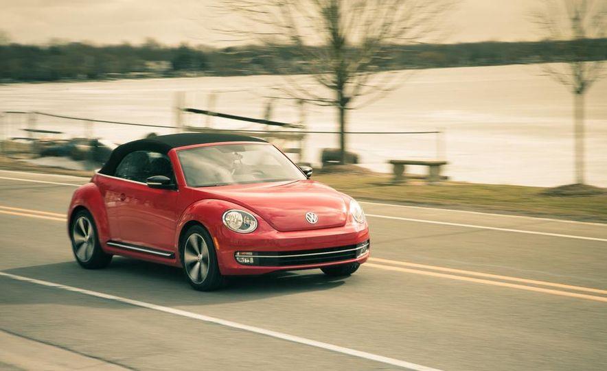 2013 Volkswagen Beetle turbo convertible - Slide 1