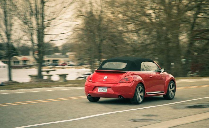 2013 Volkswagen Beetle turbo convertible - Slide 5