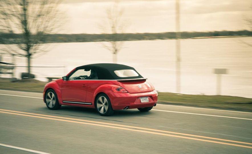 2013 Volkswagen Beetle turbo convertible - Slide 6