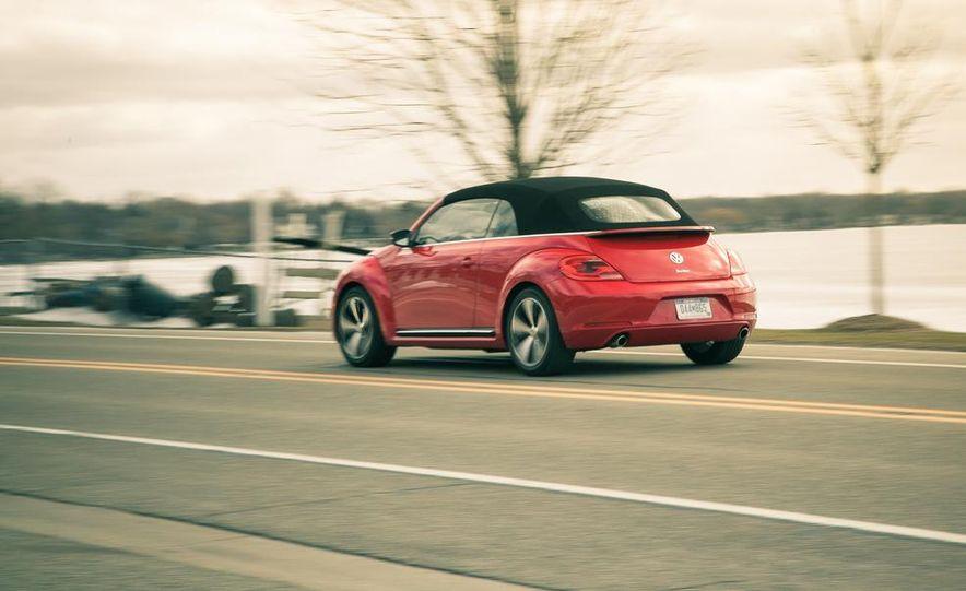 2013 Volkswagen Beetle turbo convertible - Slide 7