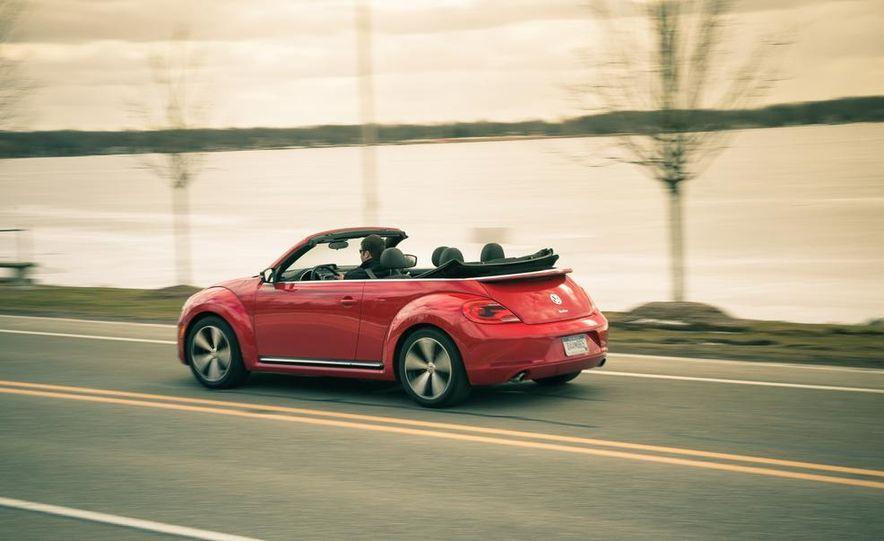 2013 Volkswagen Beetle turbo convertible - Slide 8