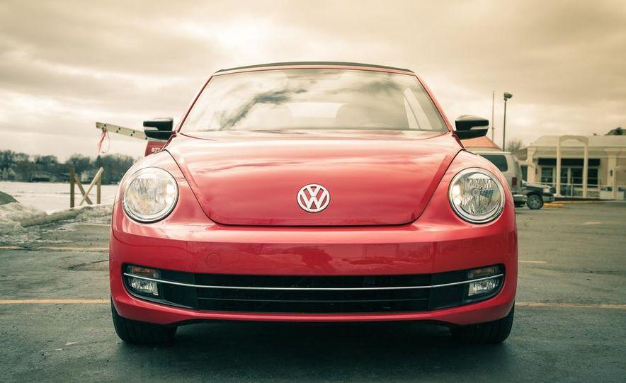 2013 Volkswagen Beetle turbo convertible - Slide 11