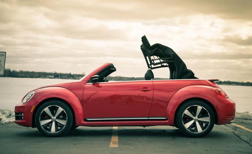2013 Volkswagen Beetle turbo convertible - Slide 13