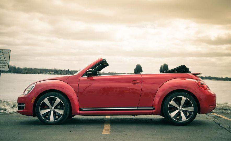 2013 Volkswagen Beetle turbo convertible - Slide 14