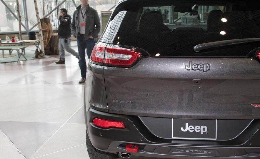 2014 Jeep Cherokee Limited - Slide 17