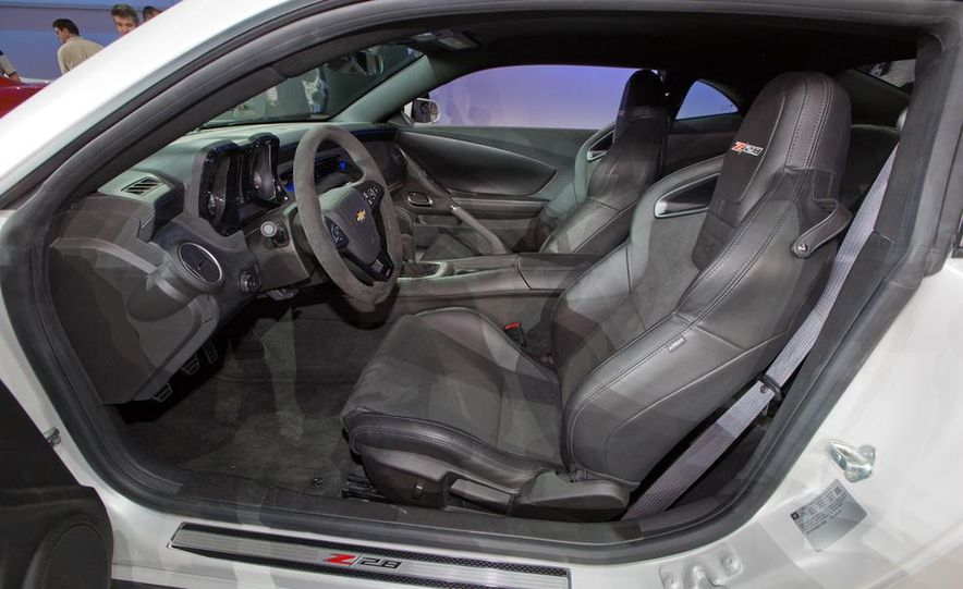 2014 Chevrolet Camaro Z/28 - Slide 18
